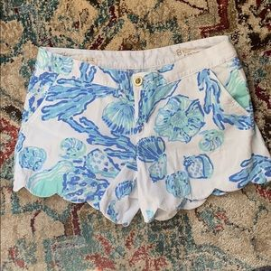 EUC Lilly Pulitzer Buttecup Short size 8.